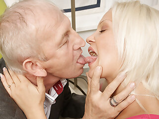 Horny Young Blonde Sucking And Fucking Old Dude - MatureNL